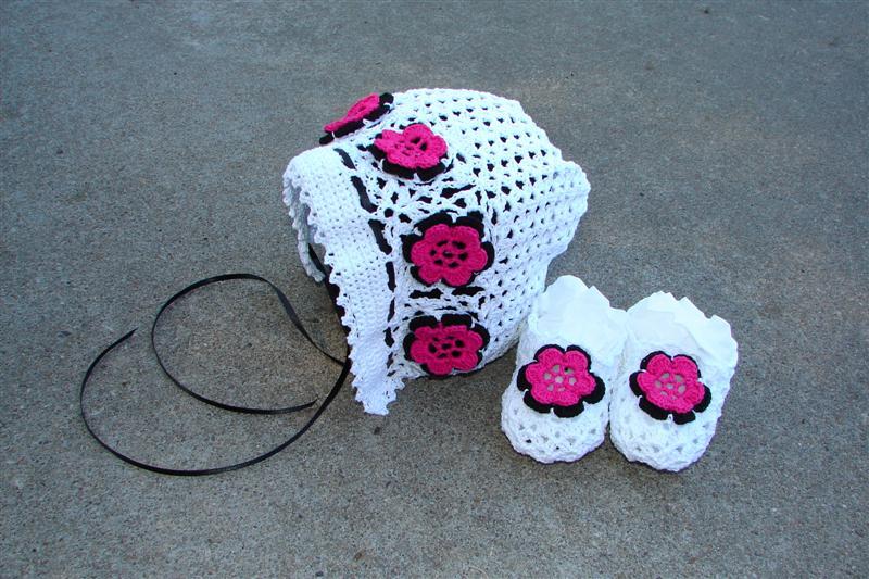 Crochet Thread Baby Bonnet Pattern : Exquisite Thread Crochet Dainties: Crochet Thread Floral ...