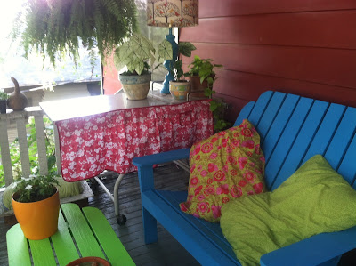 A Reader's Lilly Pulitzer Inspired Porch {rainonatinroof.com} #lillypulitzer #porch #makeover