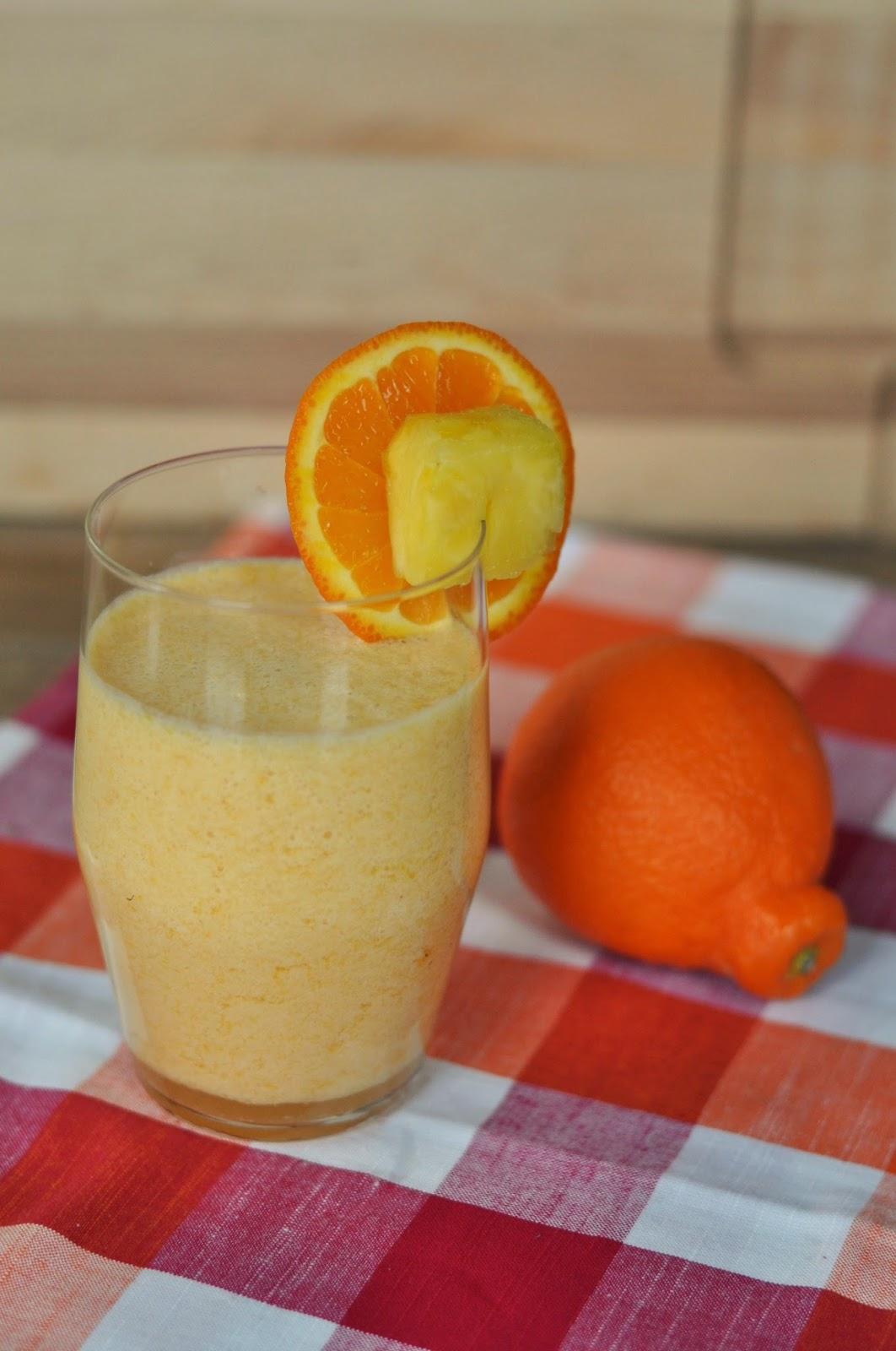 http://www.justusfourblog.com/2014/05/citrus-vanilla-breakfast-smoothie/
