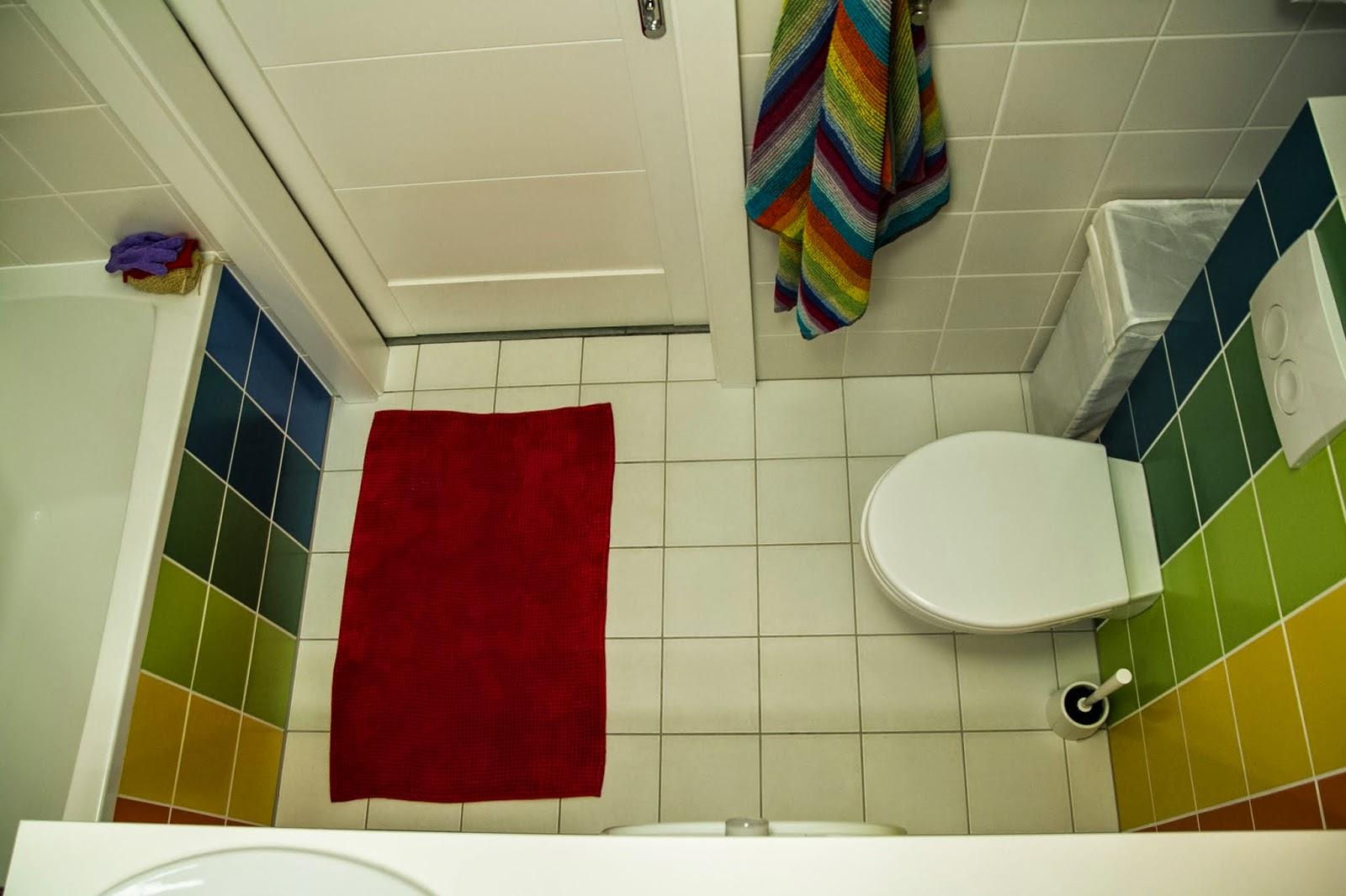 tęczowa łazienka