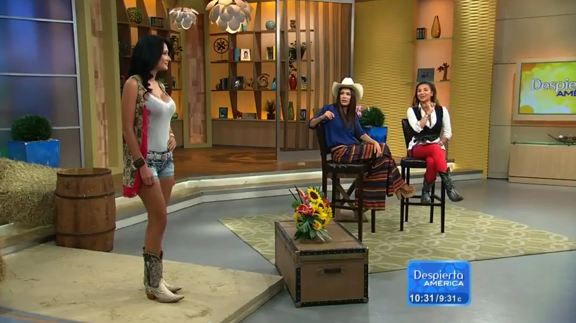 Women of Despierta America http://appreciationofbootednewswomen.blogspot.com/2012/08/a-guest-and-model-boot-up-on-despierta.html