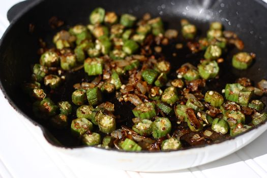 Chez Cayenne: Dry-Fried Creole Okra and Onions
