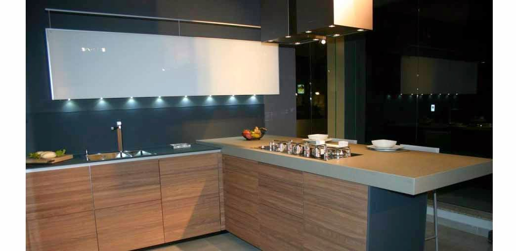 Bring High Technology With Modern Industrial Kitchens Interior Design Ideas