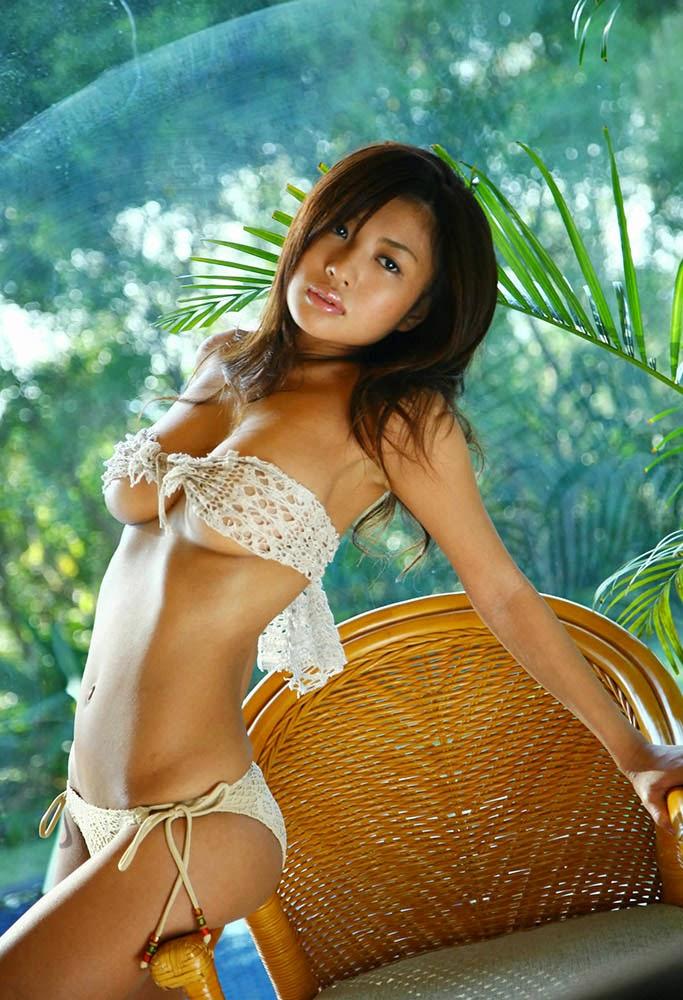 kana tsugihara sexy lingerie pics 01