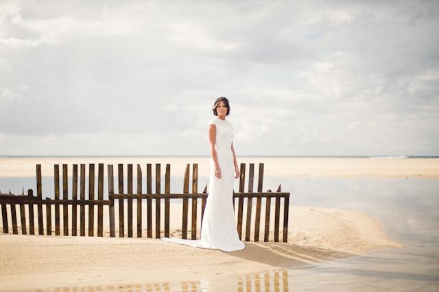 vestido novia madrid diseño bohemio espalda aplicaciones chantilly oh que luna
