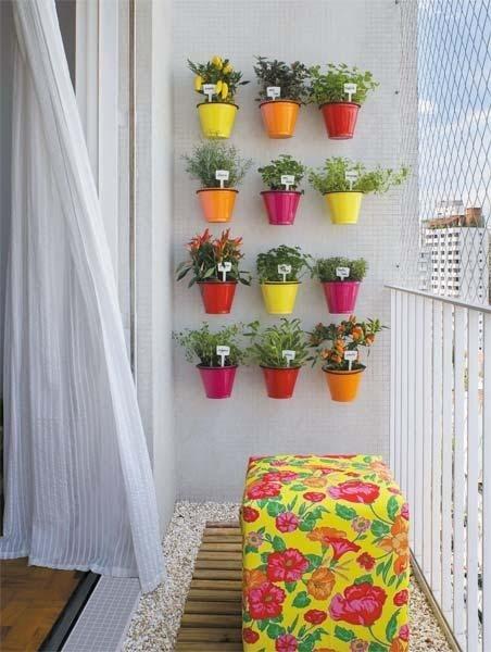 fotos de um jardim lindo : fotos de um jardim lindo:Aqui um ótimo exemplo de quem quer fazer o charme gastando pouco