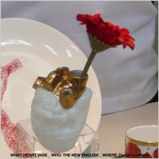 (heart vase - vaso a forma di cuore) HEART VASE / THE NEW ENGLISH / DESIGNERS BLOCK