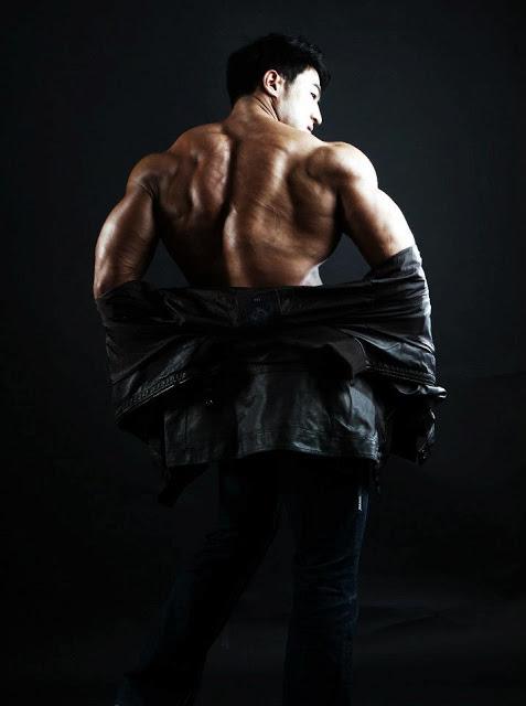 korean bodybuilder hwang chul soon - JACKED 4EVER