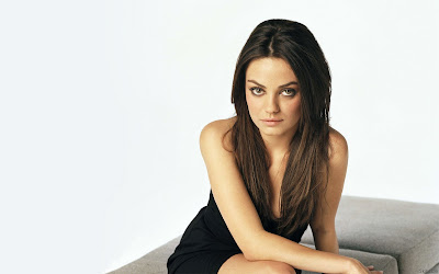 Mila Kunis look gorgeous wallpaper
