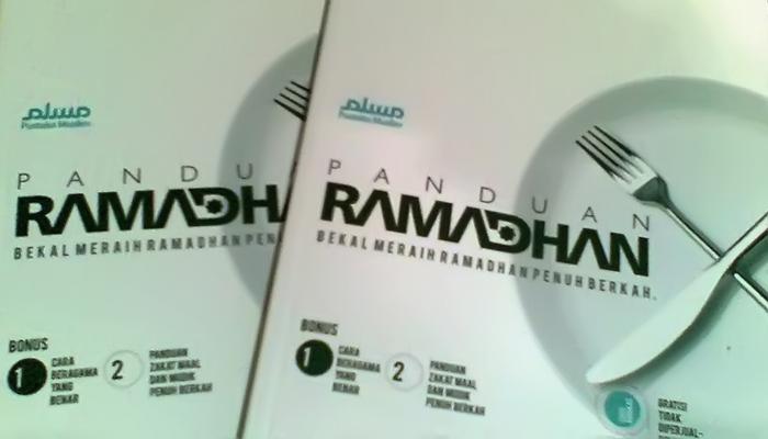 Download Ebook Panduan Ramadhan,  Bekal Meraih Ramadhan Penuh Berkah!