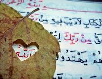 """Rasûlullah (s.a.v) şöyle buyurdu: """"Şu üç özellik kimde bulunursa imanın lezzetini tadar."""