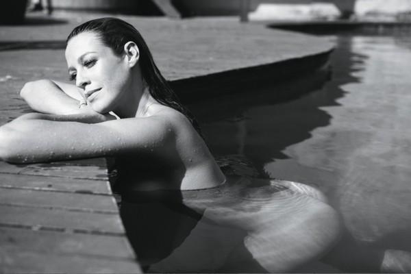Luana Piovani nua em ensaio sensual na Revista Trip