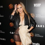 Adrienne Bailon i d tic khng mc ni y li bm