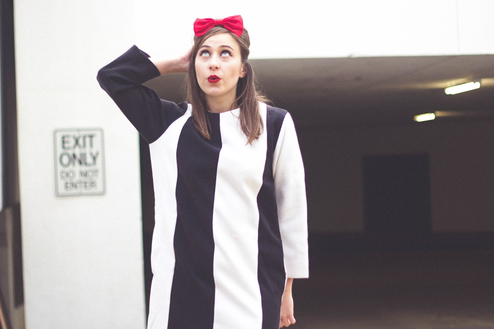 Vintage inspired outfit, the white pepper, black and white striped dress, black court heels, forever 21 heels, red bow, 60's inspired outfit, bouffant hair, 60's hair, retro, vintage,  style, woman screenwriting,