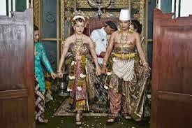 Gusti Kanjeng Ratu Hayu dan KPH Notonegoro