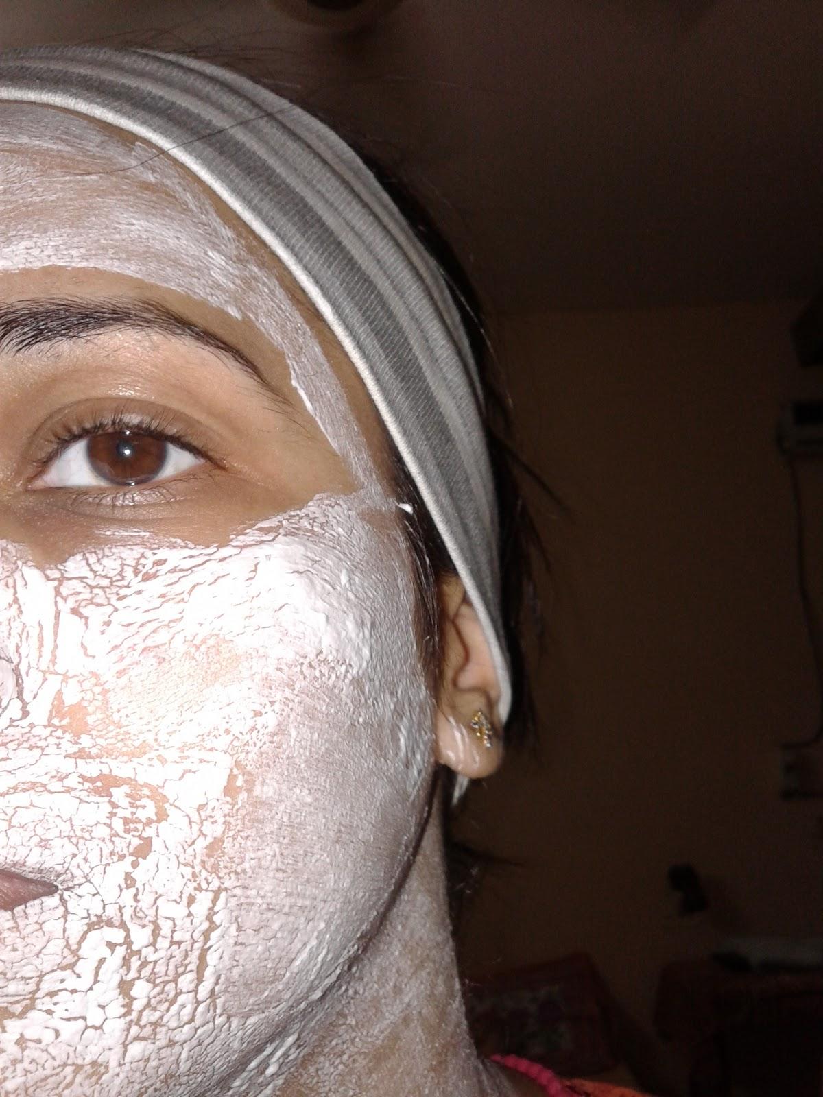 http://1.bp.blogspot.com/-p-R-bJhR62o/UXfpiBNbLSI/AAAAAAAAGy8/185rVAh7U0Y/s1600/Face+bleach.jpg