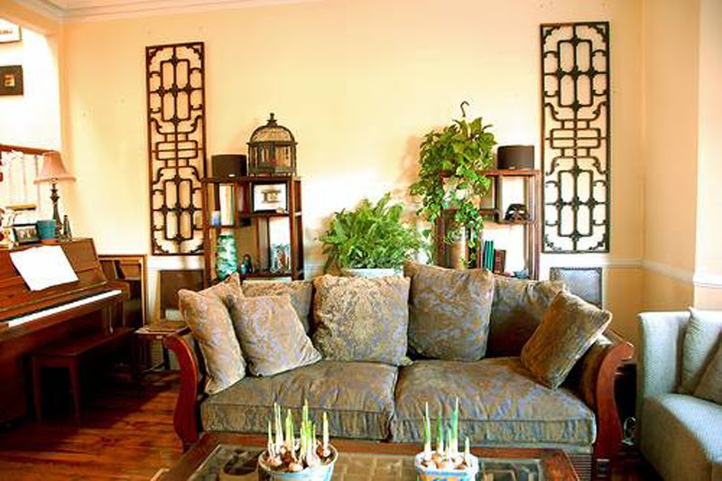 Beautiful colours living rooms intirior designs and photos for Oriental furniture living room