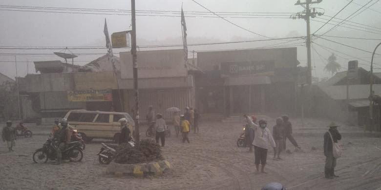 Foto Bencana Gunung Kelud Meletus 2014