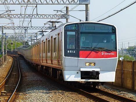 快速 湘南台行き1 8000系赤塗装8712F