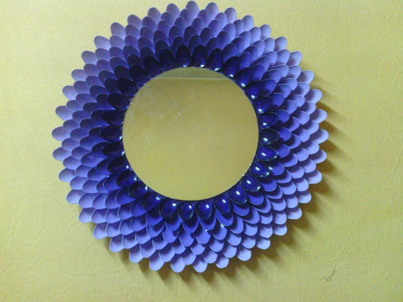 Antonia cristiani design espejo for Decoracion de espejo con cucharas