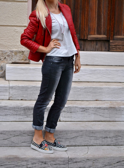 outfit rosso come abbinare il rosso abbinamenti rosso mariafelicia magno fashion blogger colorblock by felym fashion blog italiani fashion blogger italiane blog di moda blogger di moda influencer italiane outfit settembre 2015 outfit autunnali casual september outfits casual autumnal outfit for girls red outfit how to wear red biker jacket how to wear red how to combine red biker jacket