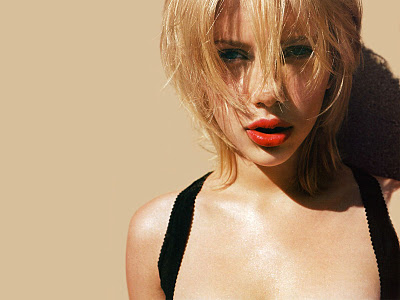 Scarlett Johansson New Style 2012 Wallpapers