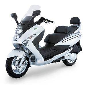 Motor Scooters Review on 300cc Gas Scooter Motor Expert Reviews   Scooter For Life