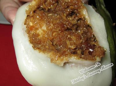 hainanese yi bua dessert, grated coconut