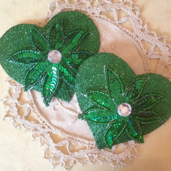 https://www.etsy.com/uk/listing/153706929/emerald-heart-nipple-tassels?ref=shop_home_active_22