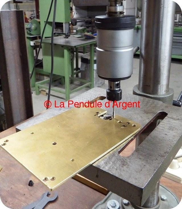 Production d'un mécanisme d'horloge, les platines et le rouage Platine11