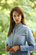 Lakshmi manchu new photo shoot-thumbnail-18