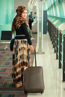 Tips Memakai Busana Muslim Untuk Travelling