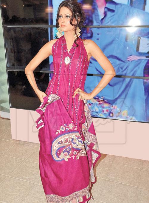 Indian Salwar Kameez Fashion Wallpaper