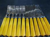 Set of 6 Forks 6 Knives Vintage 1930s Everbrite Stainless Cutlery Bakelite