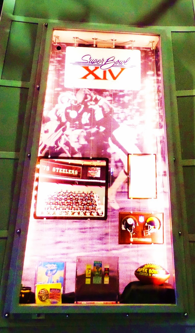 Super Bowl XIV Lombardi Case