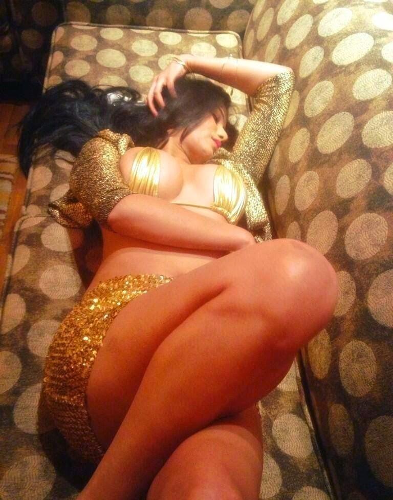Poonam Pandey hot boobs photo