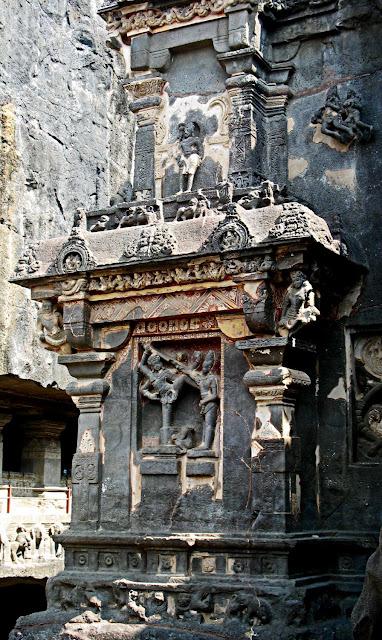 Kailashnath column