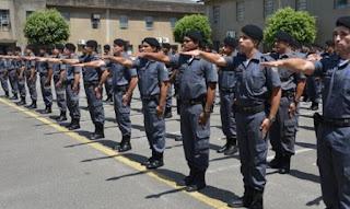 David Almeida manda agilizar promoção de policiais militares