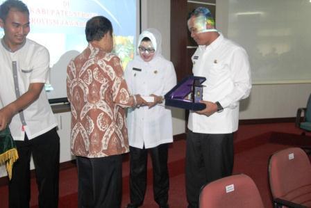 Purworejo Belajar Bertani ke Subang