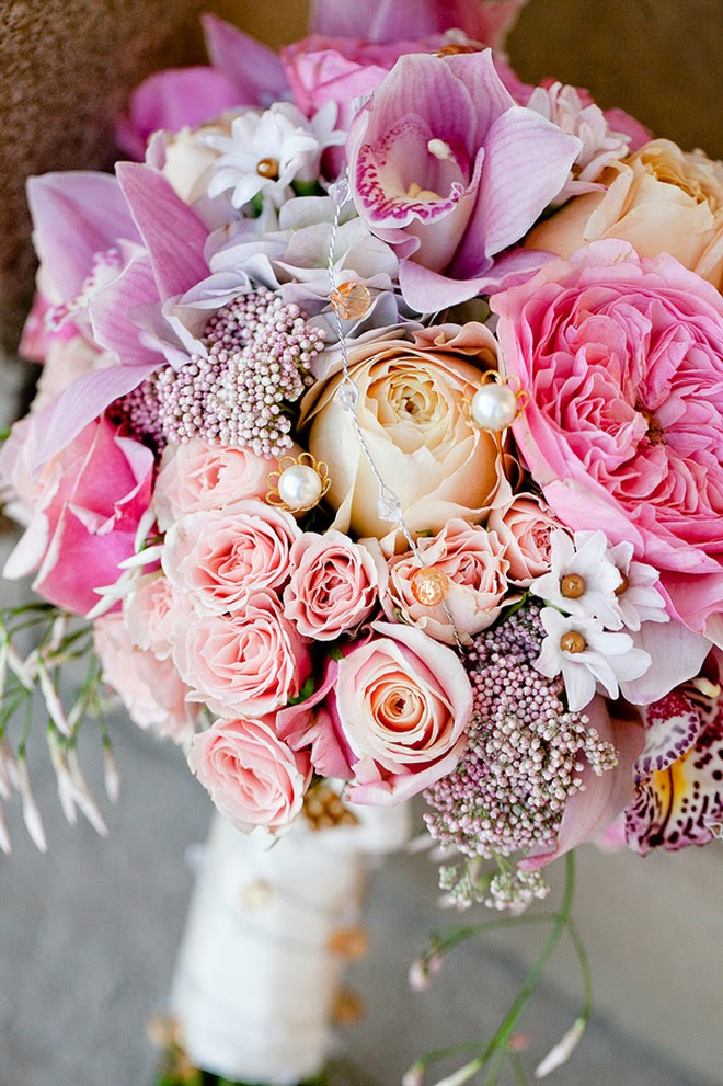 Bridal Flowers Magazine : Stunning wedding bouquets rd edition belle the