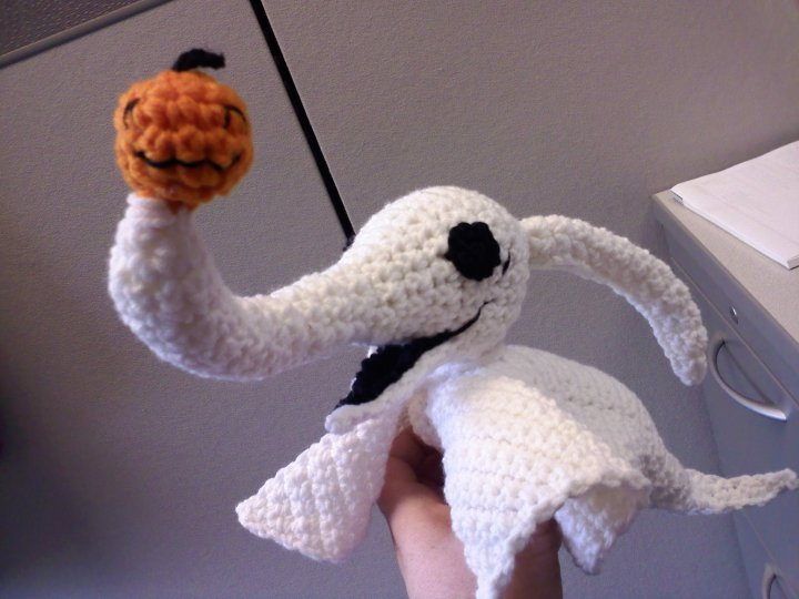 Crochet Patterns Nightmare Before Christmas : en el pais de la piruleta...: Zero-gurumi, el perro fantasma de Tim ...