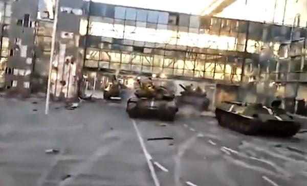 На фоне видимого бездействия украинских властей боевики непрерывно штурмуют Донецкий международный аэропорт