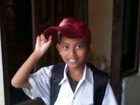 Foto Adekku ketika sekolah