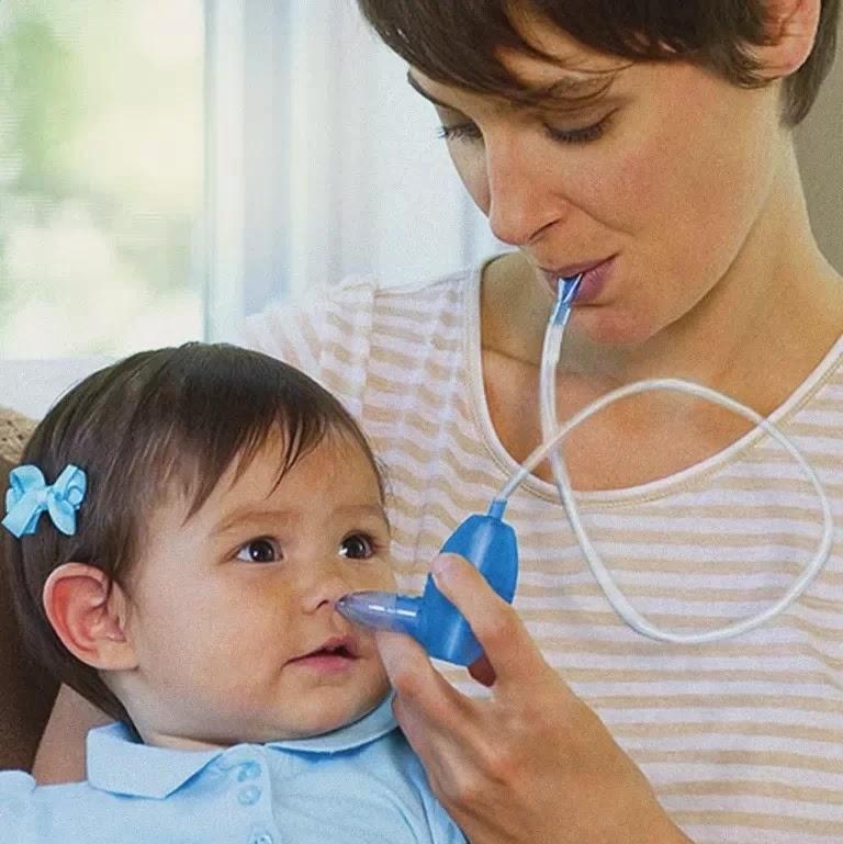 Cara Membersihkan Telinga Bayi