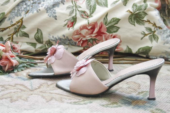 sandali rosa con fiore di stoffa
