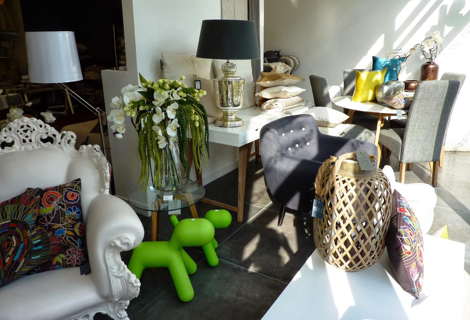 initiales gg gris perle nouveau concept store marseillais. Black Bedroom Furniture Sets. Home Design Ideas