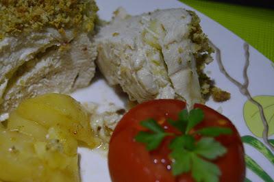 Peitos de frango recheados com maça e queijo brie