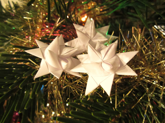 how to make German paper stars, craft of paper, froebel stern