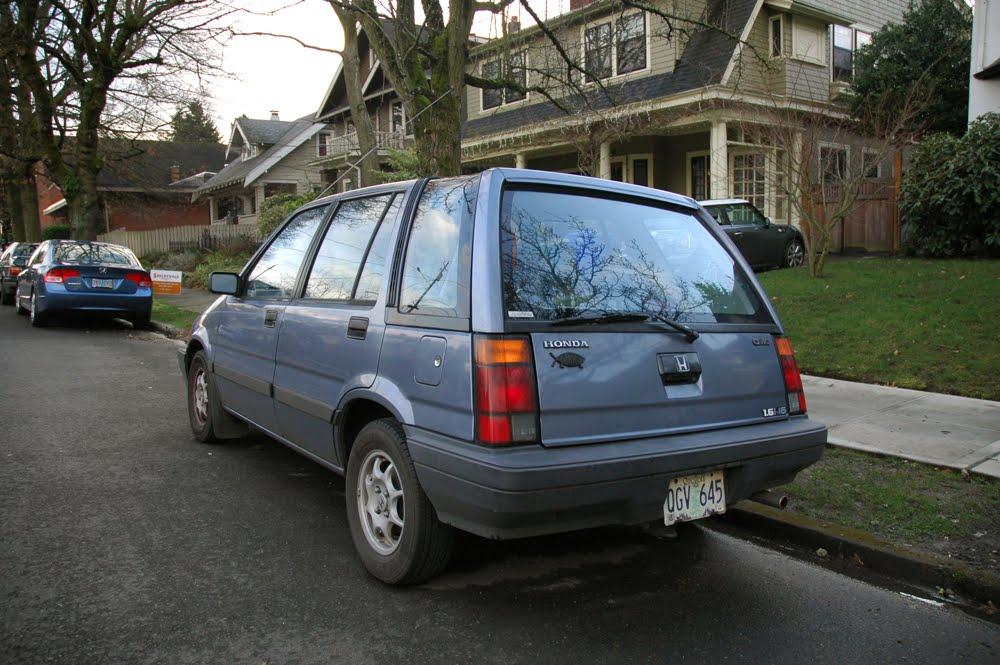 Old Parked Cars 1987 Honda Civic Wagovan 1 6i 16