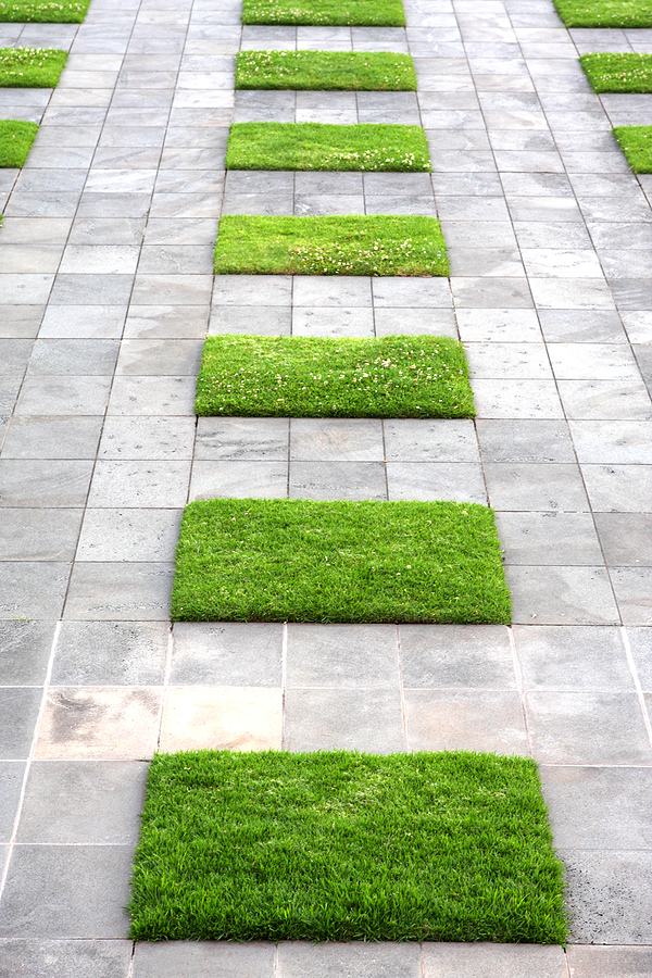 Simplicity in landscape design Simple paving ideas